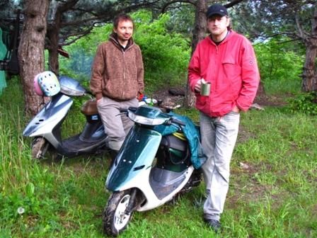 Матвей и Славик со своими железными конями
